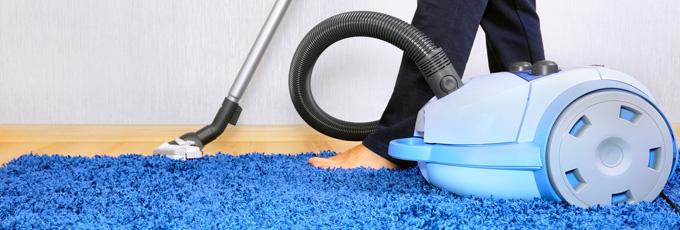 Teppich reinigen - Staubsaugen
