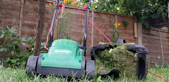 Scharfe Rasenmäherklingen so gehts richtig